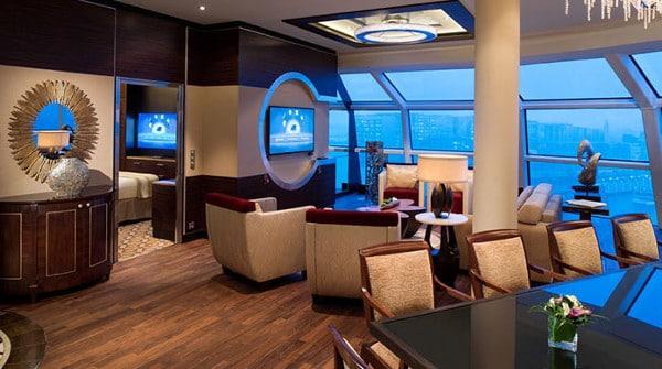 Suite avec vue sur la mer de la compagnie de croisières de luxe Celebrity Cruises