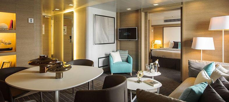 Suite raffinée à bord d'un bateau de luxe de la Compagnie du Ponant